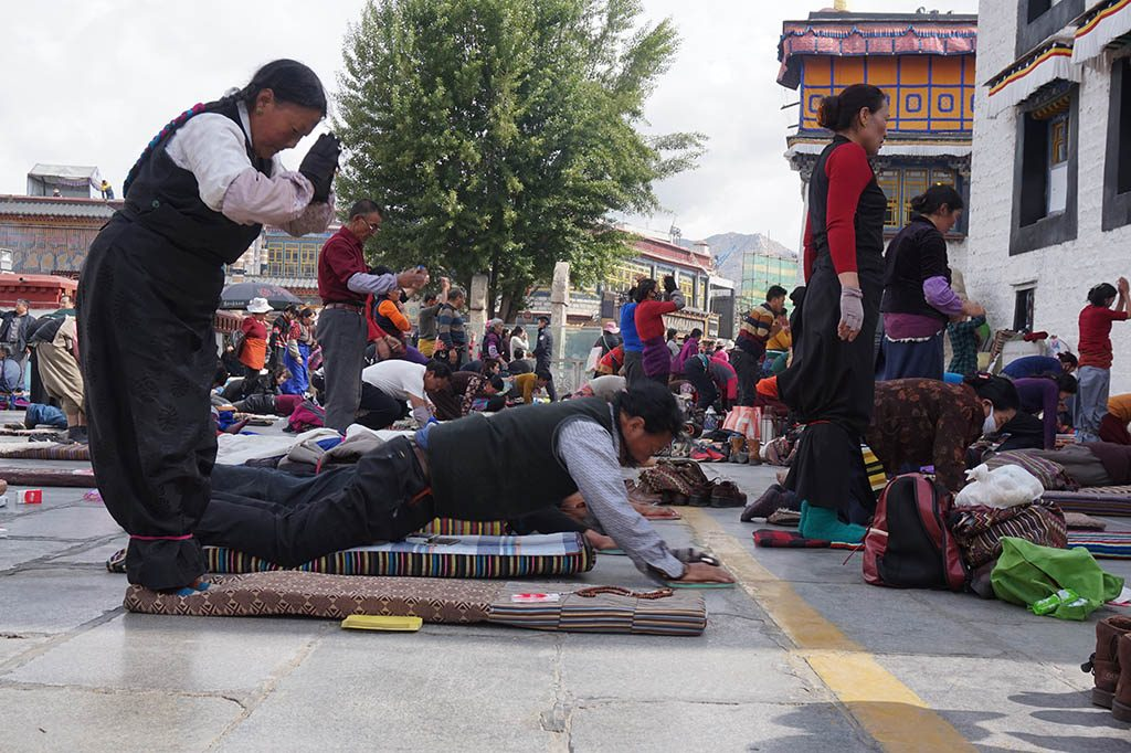 Tibetians practicing Kora at the Jokhang temple in Lhasa