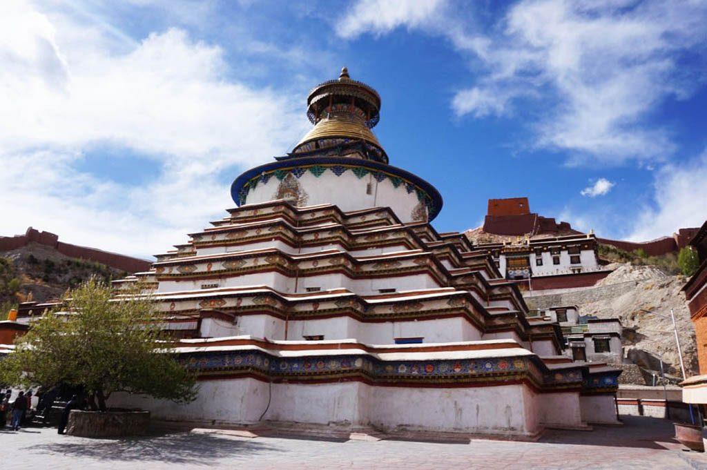 stupa in pekor chode monastery