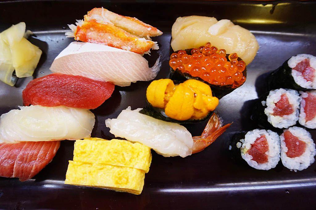 popular Japanese food, sushi in Tokyo