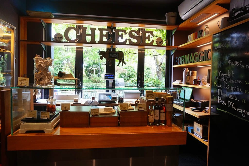 Cheese shop in de bortoli winery
